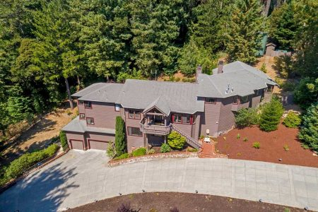 12 Starwood Drive, Woodside custom home for sale